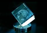 3D модель земного шара в стекле